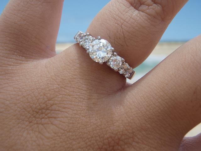 Eljegyzési gyűrűk gyémánt tündöklésben