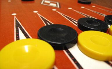 Logikai társasjáték egy kis jóindulatú csalással