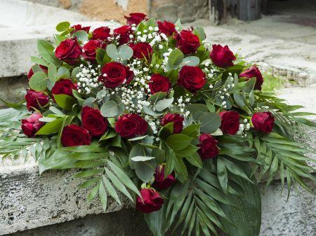 Koszorú temetésre a méltó megemlékezés jegyében